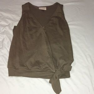 Universal Thread olive green tie front tank NWOT